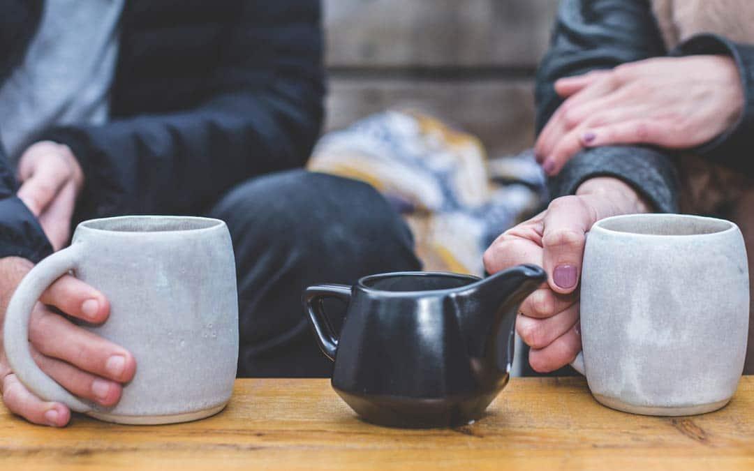 Par med en kop te